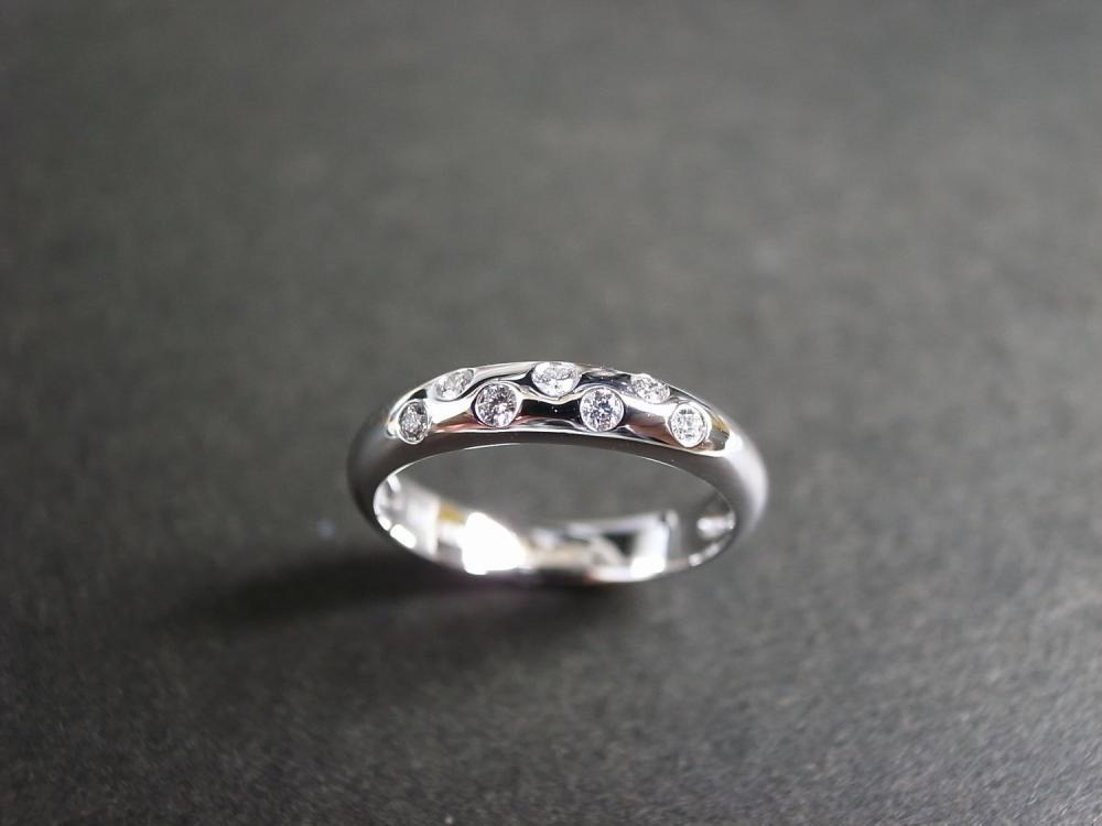 Diamond Wedding Ring in 18K White Gold