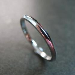 Classic Wedding Ring in 14K White Gold