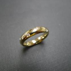 Diamond Wedding Ring in 14K Yellow Gold