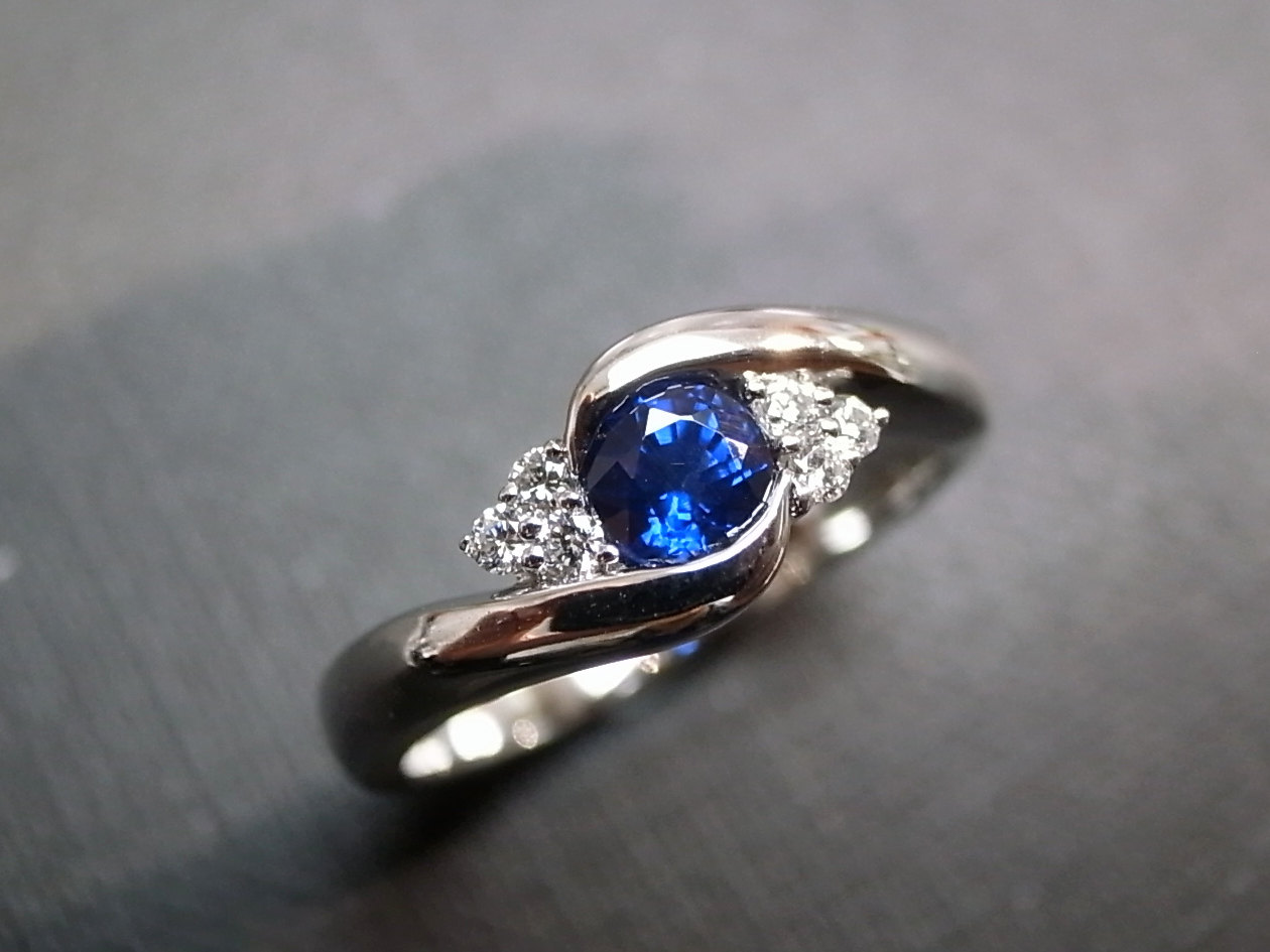 diamonds wedding ring with blue sapphire in 14k white gold blue topaz wedding band Diamonds Wedding Ring with Blue Sapphire in 14K White Gold