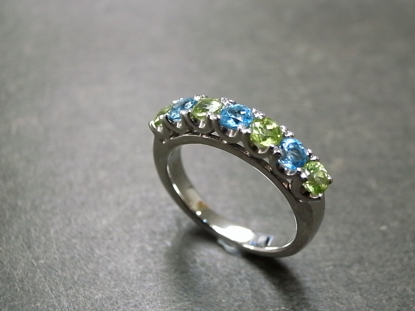 blue topaz and peridot wedding ring on luulla. Black Bedroom Furniture Sets. Home Design Ideas